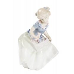 Dama statua statuina porcellana bambina fiori cesto